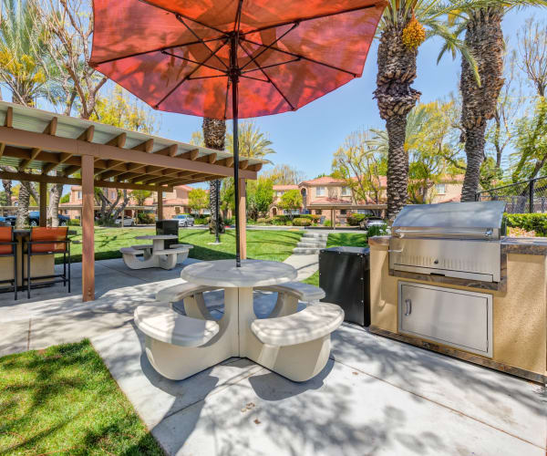 Outdoor BBQ/Picnic Area at Tuscany Village Apartments in Ontario