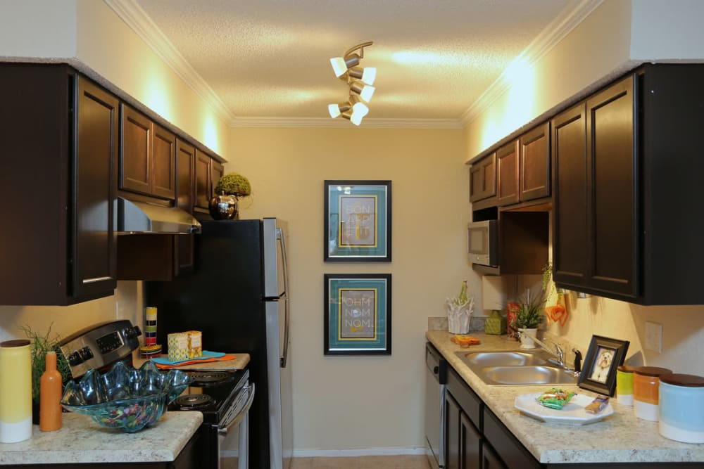The Abbey at Northlake apartments in Riviera Beach, FL showcase a beautiful kitchen