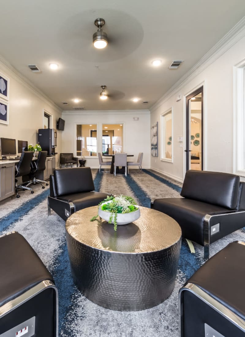 Sitting area in executive business lounge at Marquis at The Cascades in Tyler, Texas