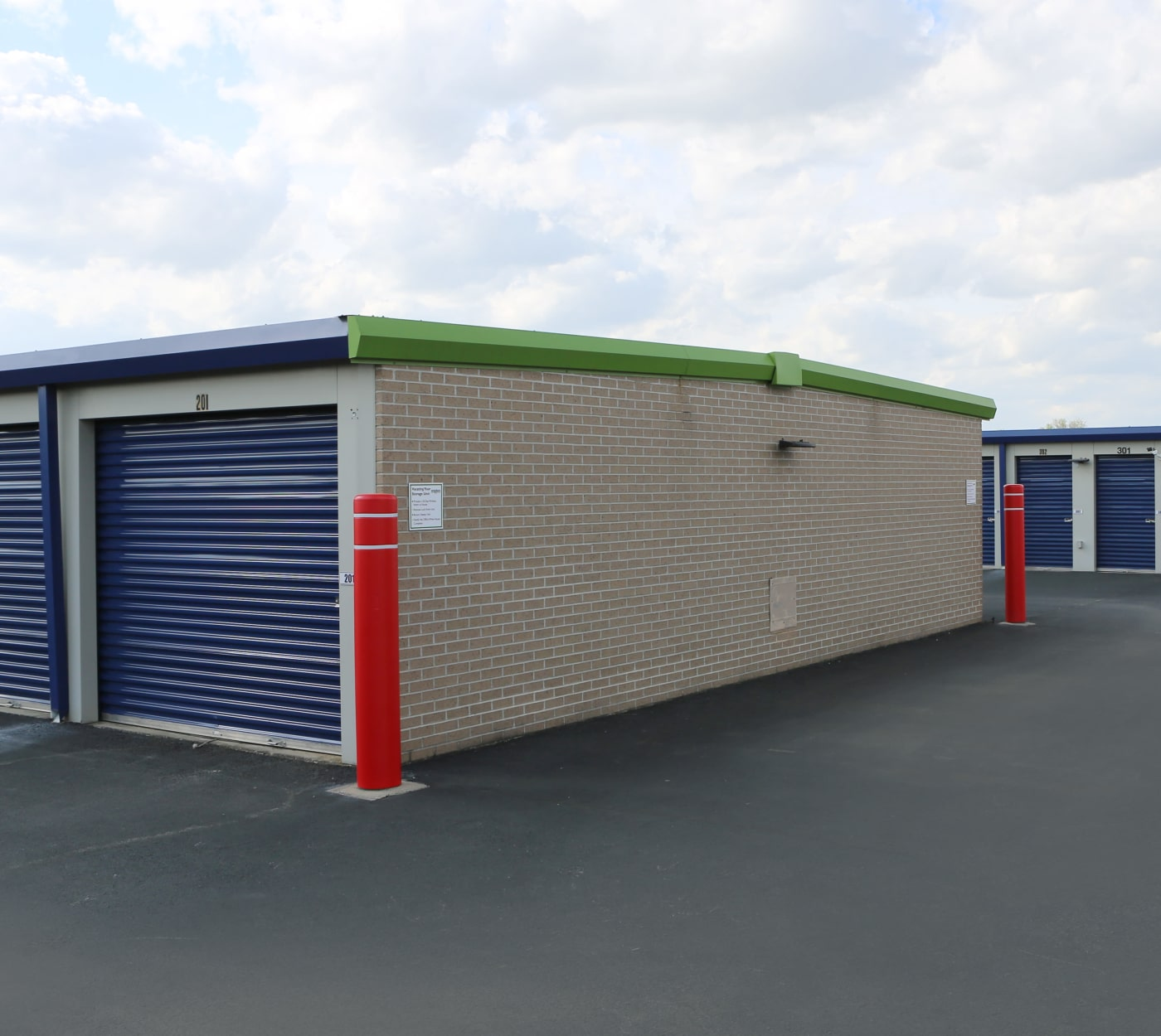 Exterior storage units at Midgard Self Storage in Sheffield, Alabama