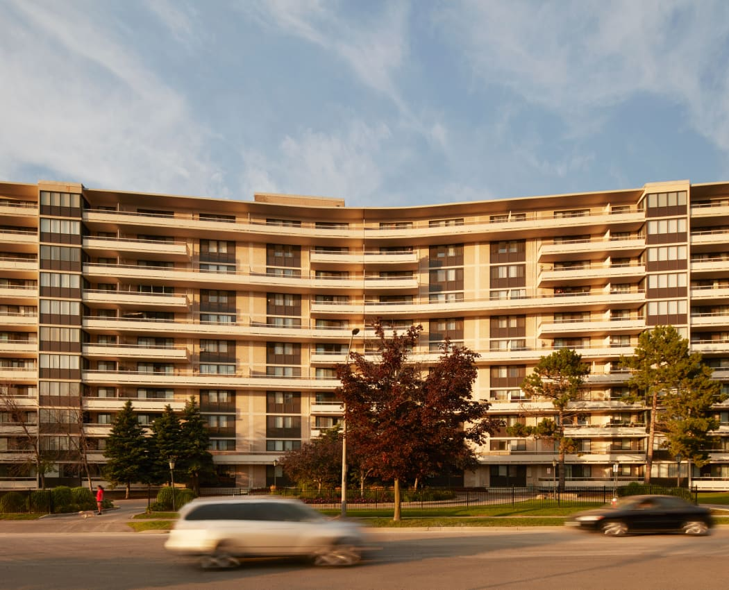 Front exterior view of Applewood on the Park in Mississauga, Ontario