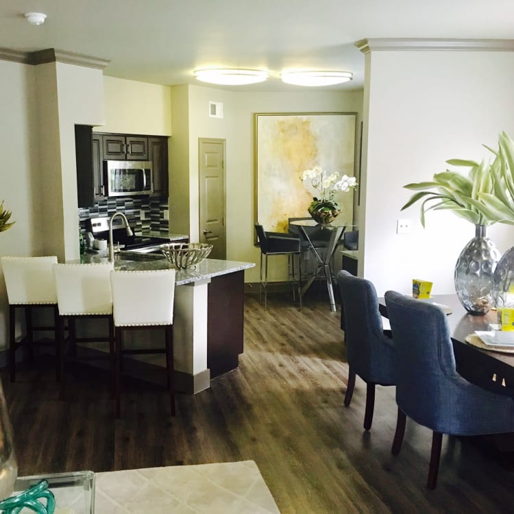 Dining room and kitchen at Hyde Park at Lake Wyndemere in The Woodlands