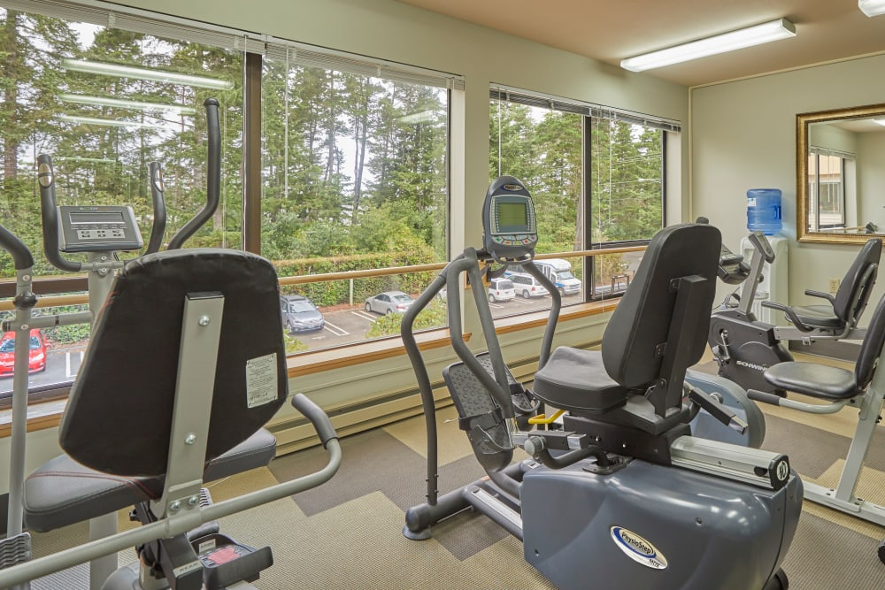 Shorewood Senior Living in Florence, Oregon offers senior living with a gym