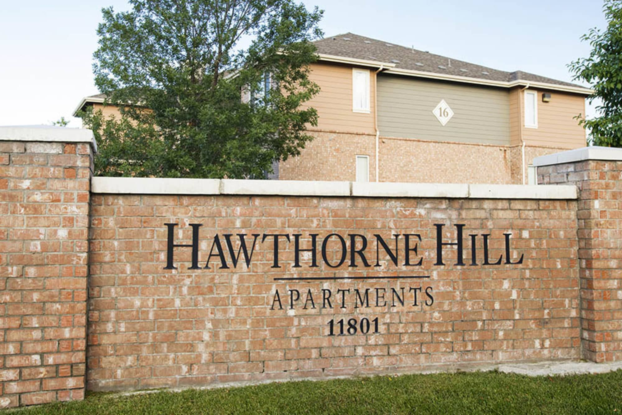 Hawthorne Hill Apartments signage
