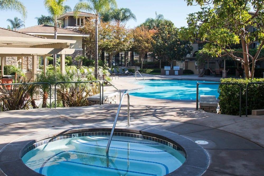 A circular at tub at Alize at Aliso Viejo Apartment Homes in Aliso Viejo, California