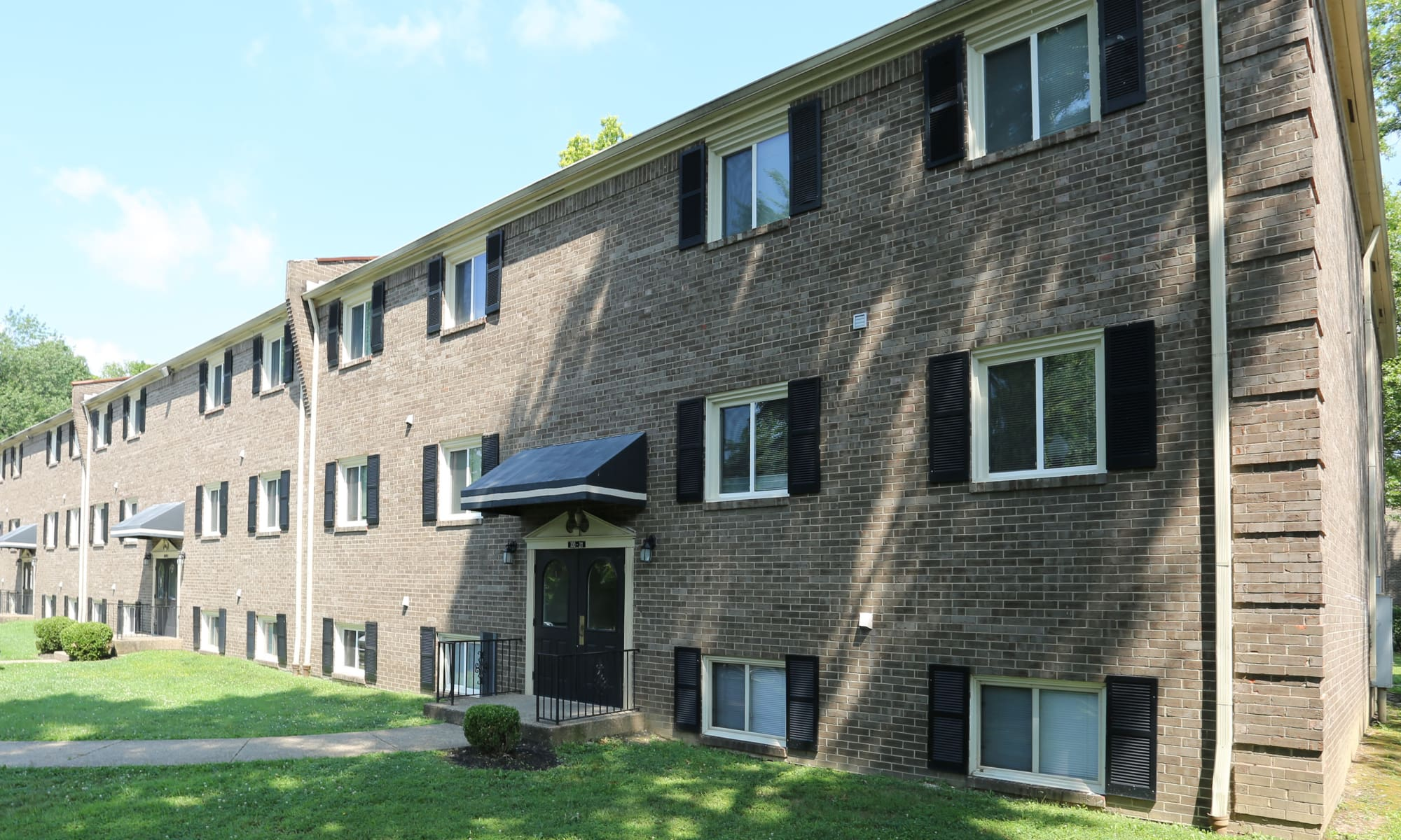 Louisville Ky Apartments For Rent Iroquois Garden Apartments