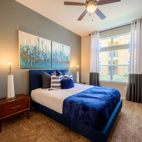 View virtual tour for 1 bedroom 1 bathroom suite at Aspire at 610 in Houston, Texas