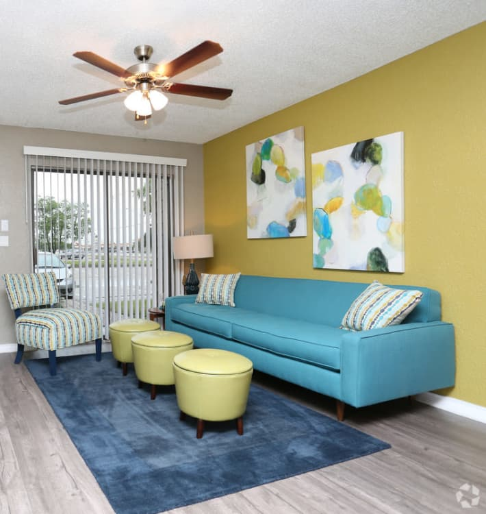 Living room layout at Sundance Apartments in College Station, Texas