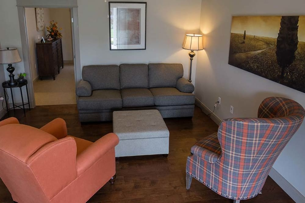 Comfortable living room great for entertaining guests at Field Pointe Assisted Living in Saint Joseph, Missouri