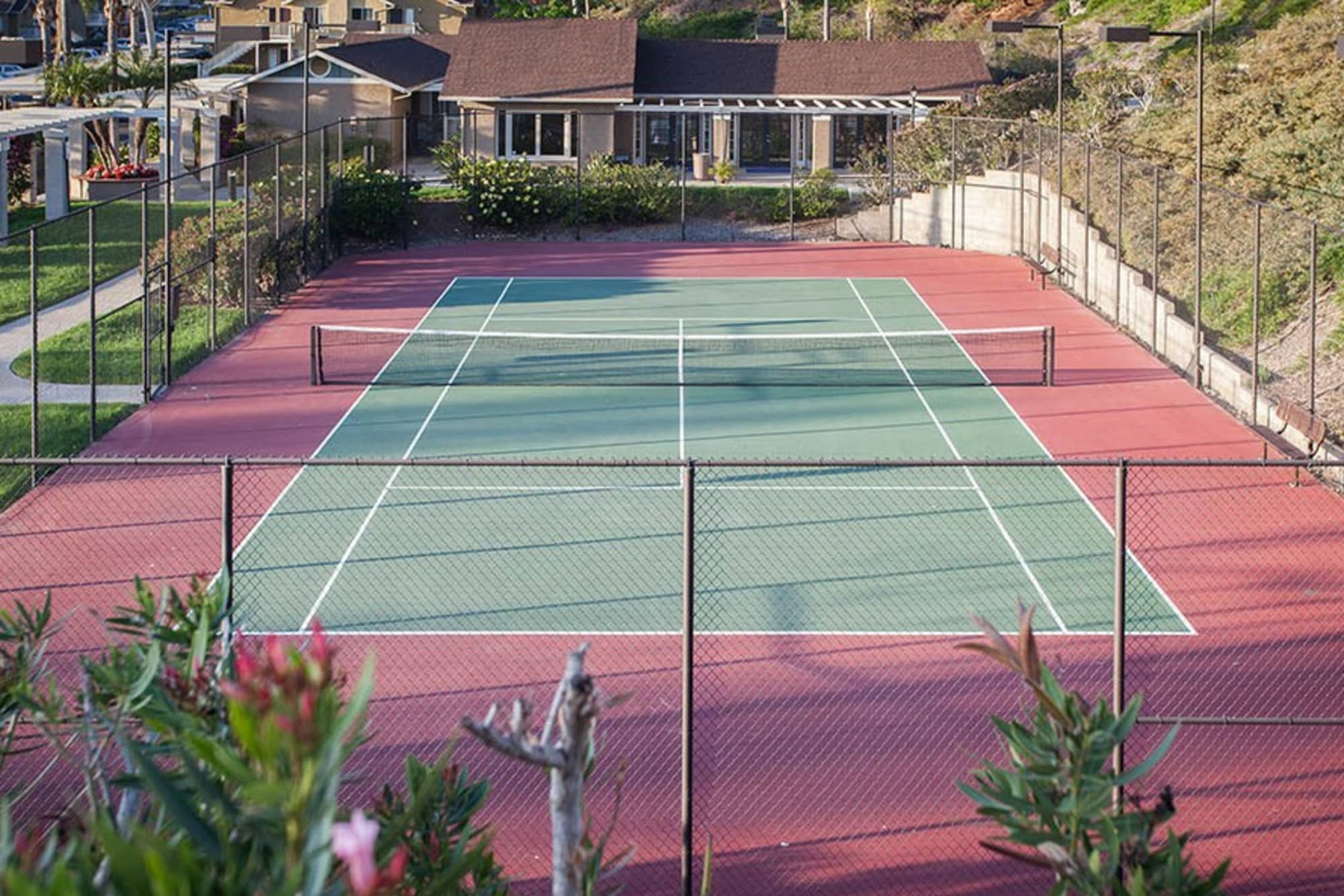 Sport court at Lakeview Village Apartments