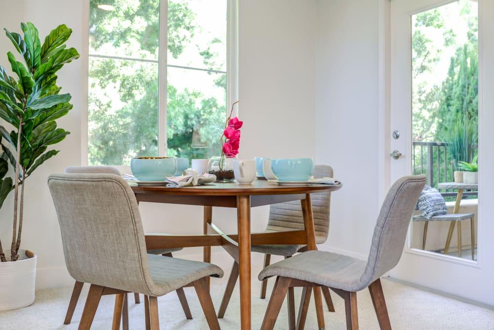 Dining with a beautiful back drop at Sofi Shadowridge in Vista, California