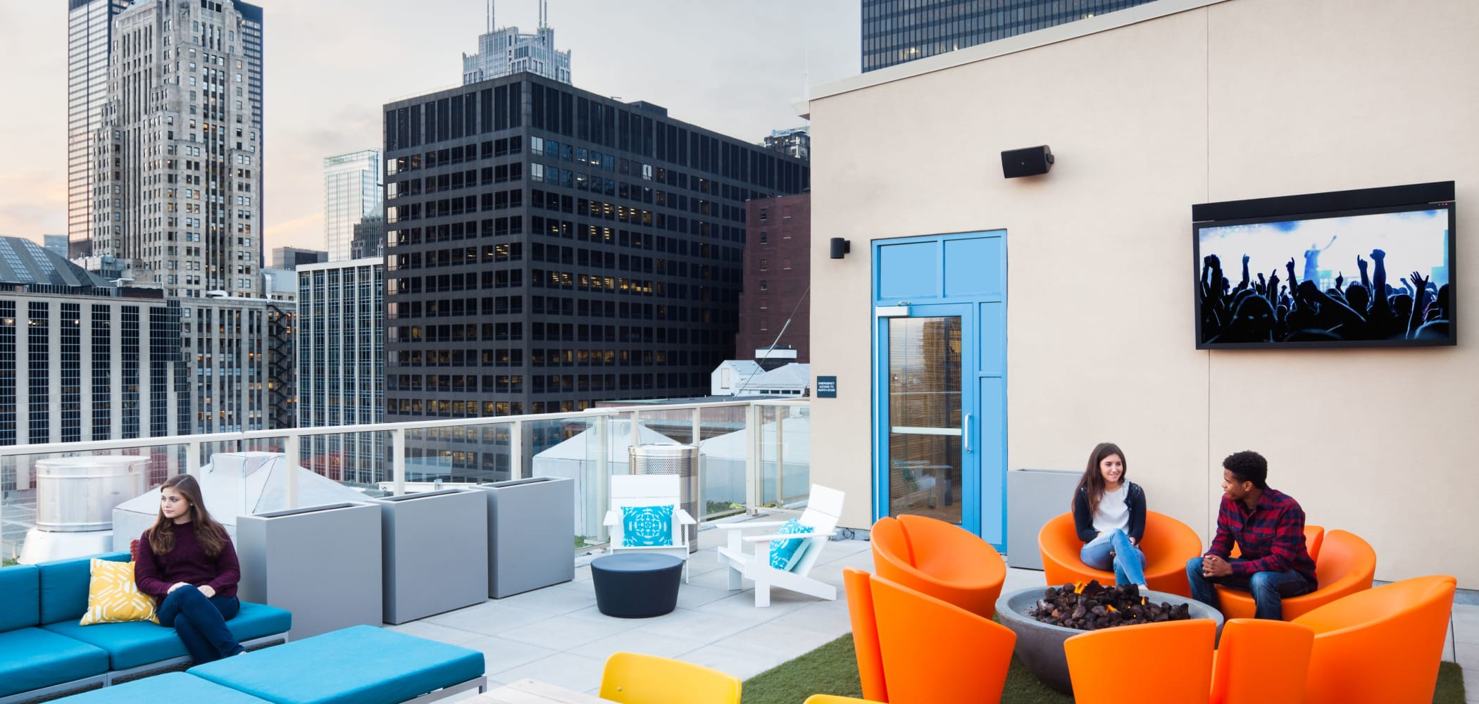 Rooftop lounge at Arc at Old Colony in Chicago, Illinois