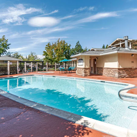 Refreshing swimming pool at Sommerset Apartments in Vacaville