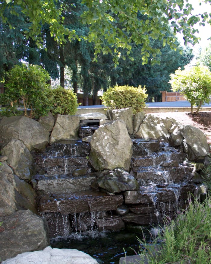 Beautiful fountain located at The Springs at Wilsonville in Wilsonville, Oregon