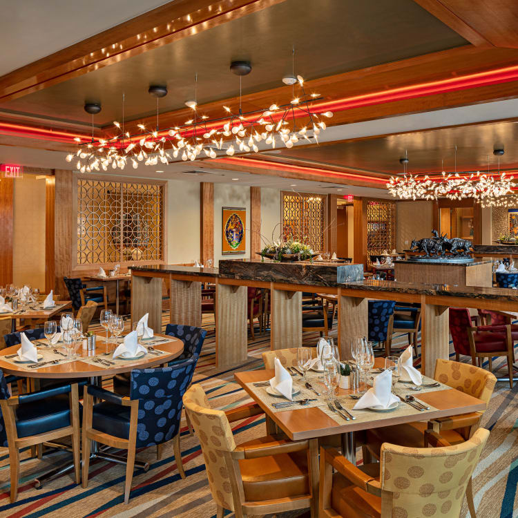 The grand dining room at All Seasons Oro Valley in Oro Valley, Arizona