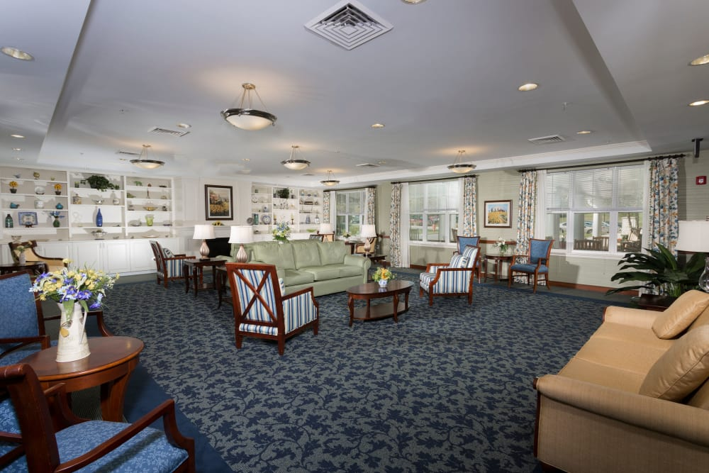 Weinberg Villages I-V offers a spacious living room in Owings Mills, Maryland