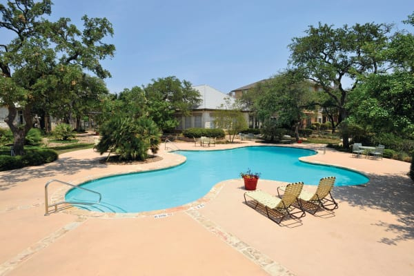 Beautiful swimming pool at The Estates of Northwoods in San Antonio, Texas