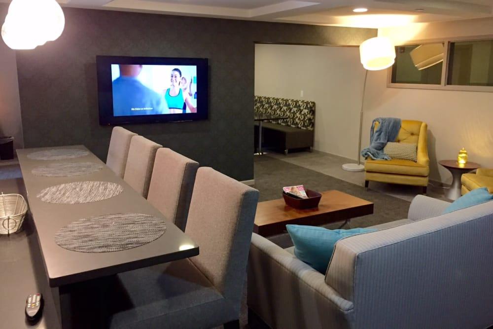 Breakfast bar at Loring Park Apartments apartments
