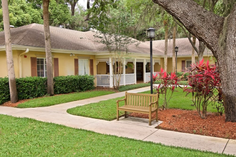 Pacifica Senior Living Belleair memory care court yard