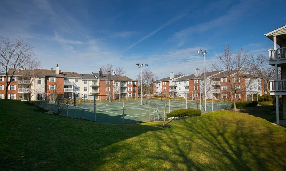 Tennis courts at Hunter's Chase Apartments in Westlake