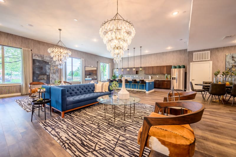 Large clubhouse area with lots of space to relax at Aspire at 610 in Houston, Texas