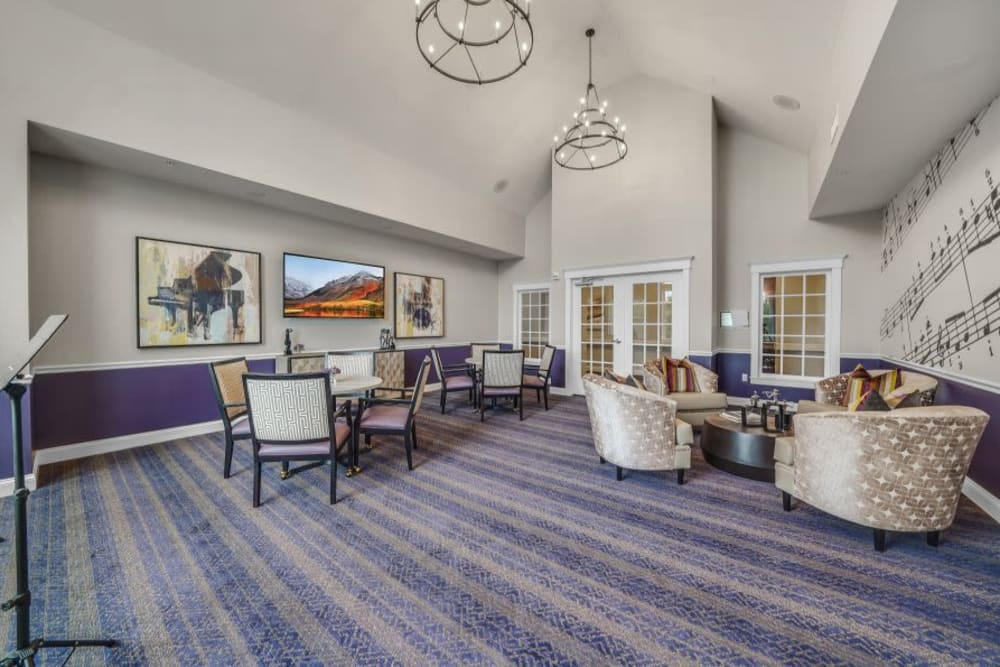 Luxury sitting room with chairs and coffee table at Mercer Hill at Doylestown in Doylestown, Pennsylvania