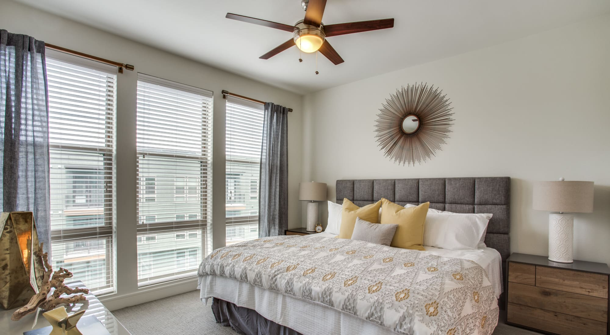 Dallas Apartments & Townhomes for Rent | The Ellison