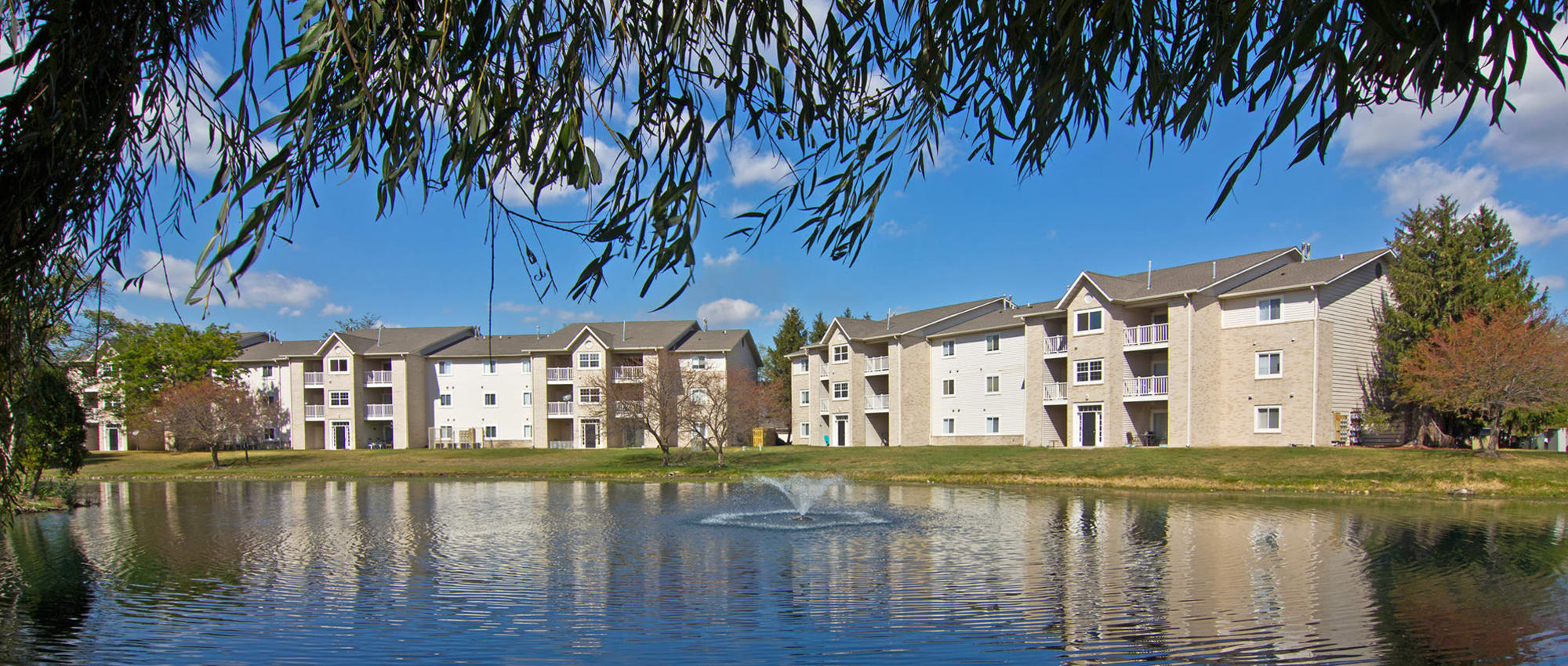 Apartments at The Lakes at 8201 in Merrillville, Indiana