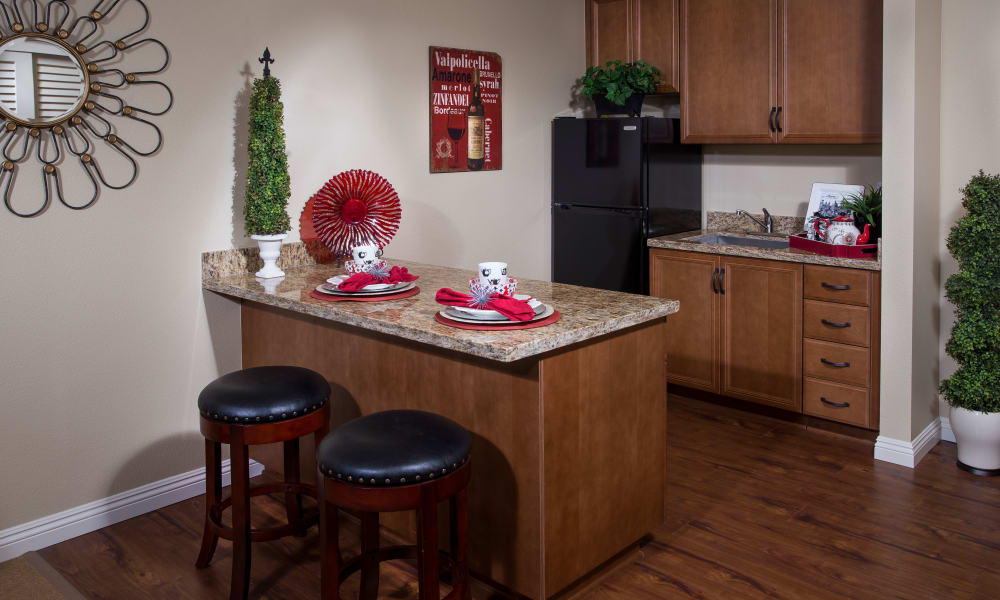 Estancia Del Sol offers a kitchen in Corona, California