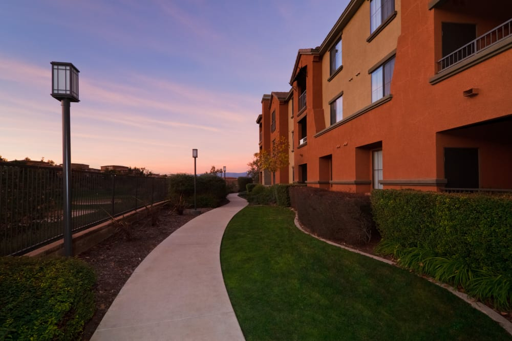 Exterior of apartments at Links at Westridge in Valencia, California