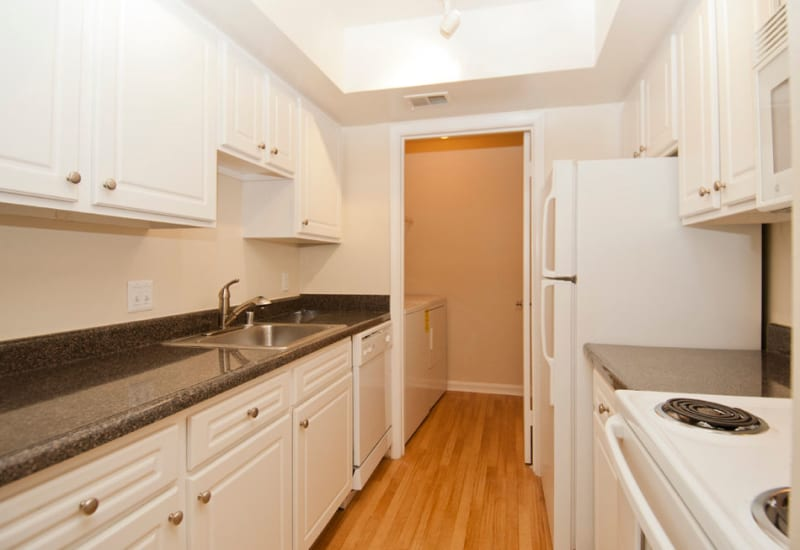 Kitchen with granite counters at Brookside View in Gaithersburg, Maryland
