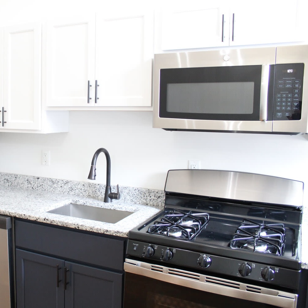 Recently remodeled kitchen at The Maven @ 806 in Louisville, Kentucky
