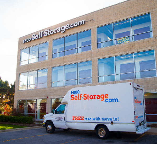 Exterior view of 1-800-SELF-STORAGE.com in Troy, Michigan