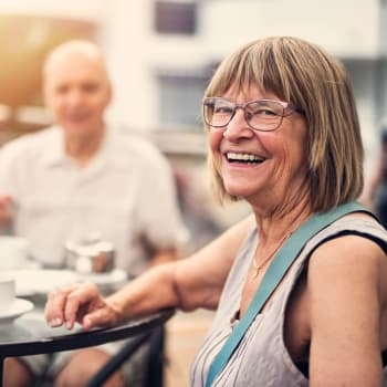 Learn more about independent living at Armour Oaks Senior Living Community in Kansas City, Missouri.