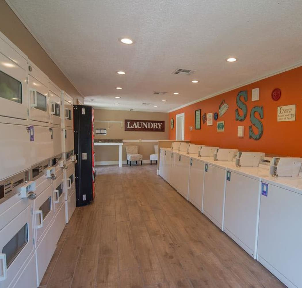 Amenities At Silver Springs Apartments Includes Walk-In