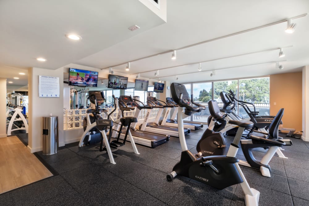 Fitness center at Hillsborough Plaza Apartments in San Mateo, California