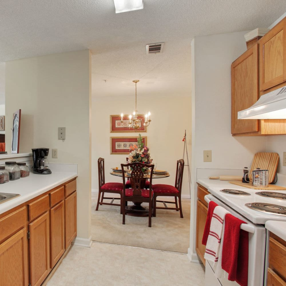 Fully equipped kitchen at Wellington Point in Atlanta, Georgia