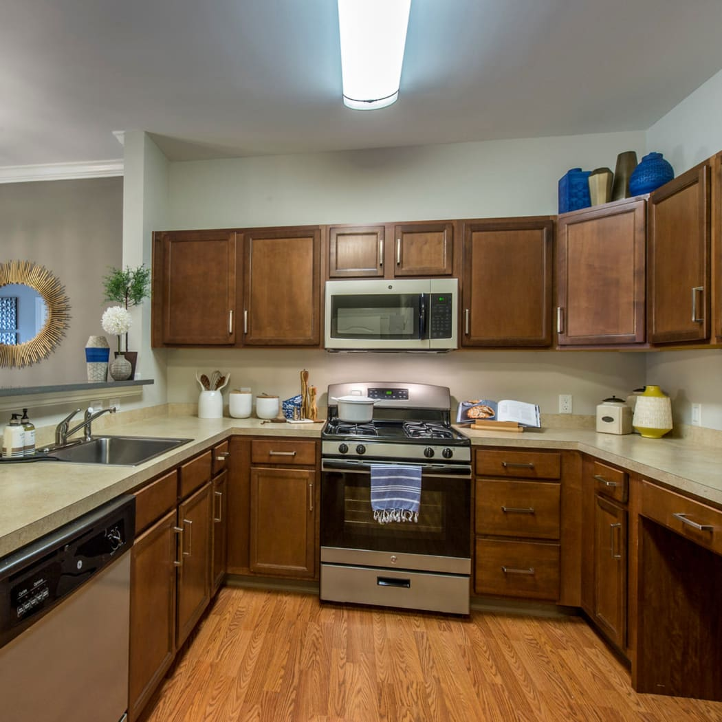 Well-equipped kitchen at The Cove at Riverwinds