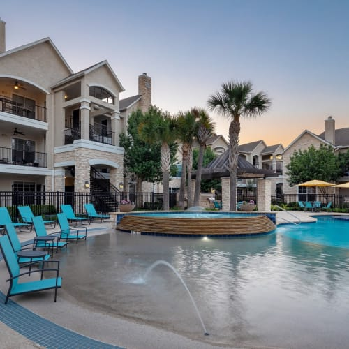 View virtual tour of the swimming pool area at The Retreat at Cinco Ranch in Katy, Texas
