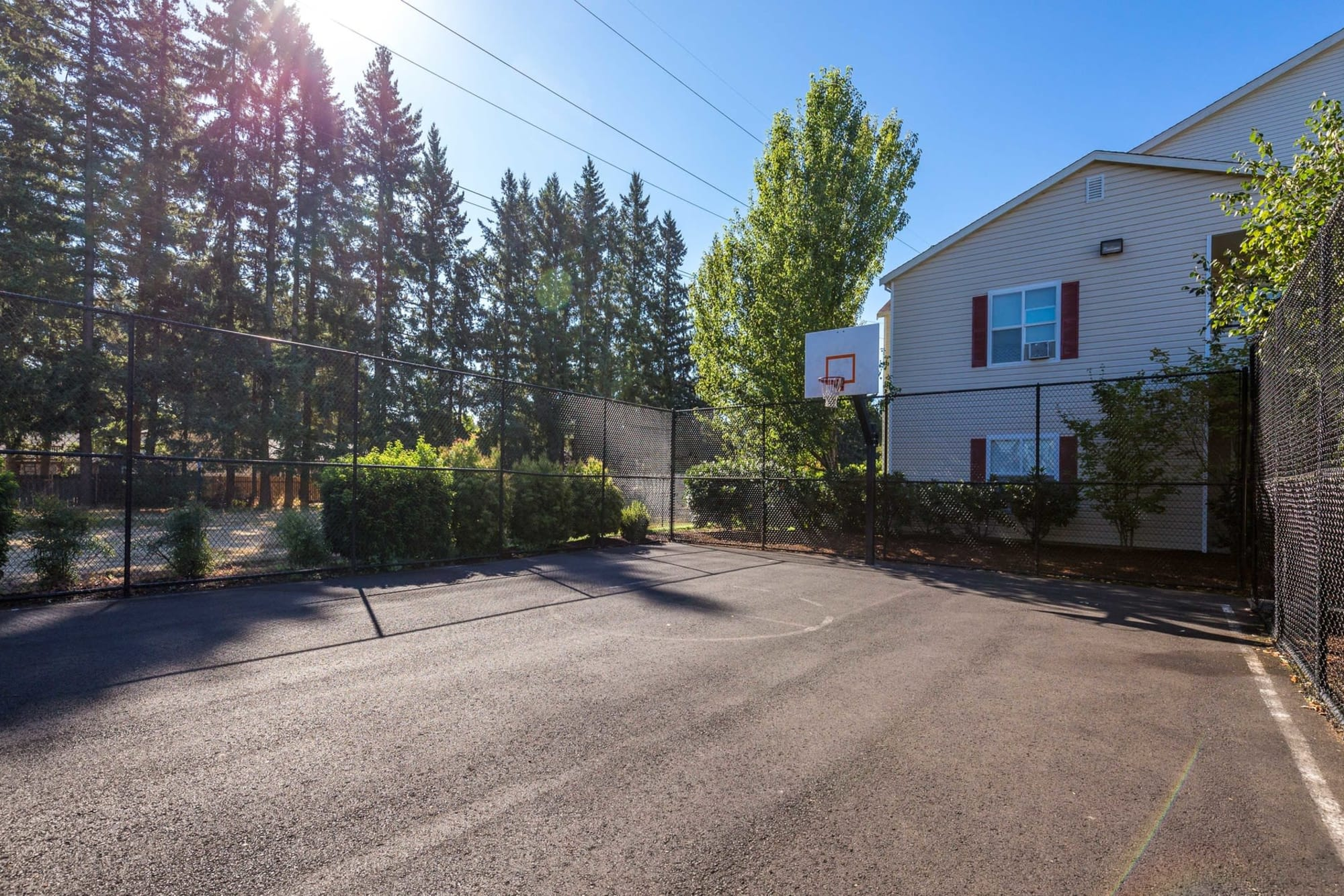 Basket Ball Court On The Grounds At The Landings at Morrison Apartments