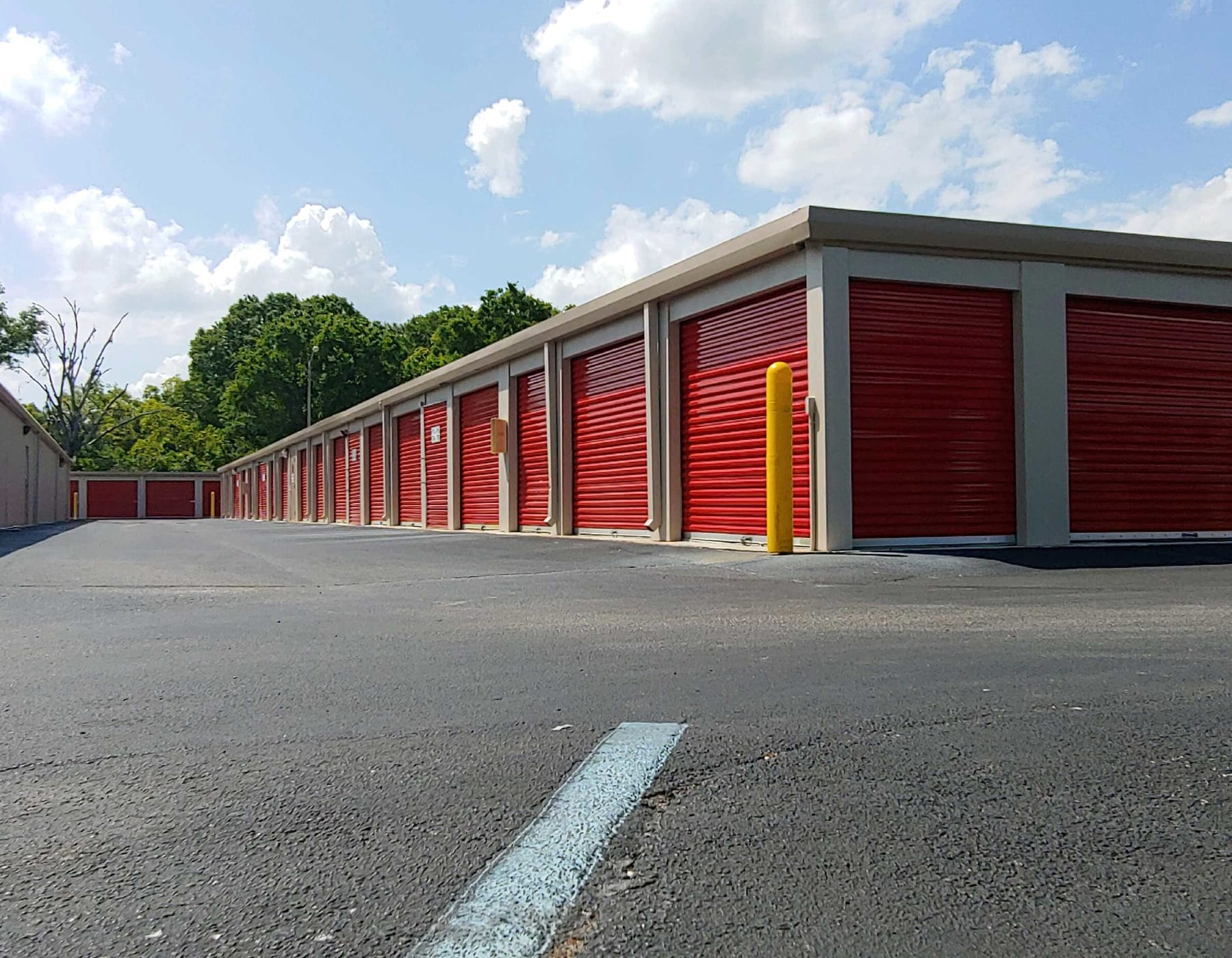 Exterior units at StorQuest Self Storage in Odessa, FL