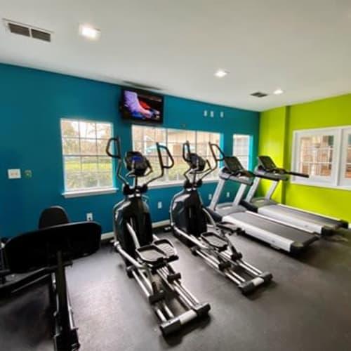 View virtual tour of gym at 1801 MetroWest in Orlando, Florida