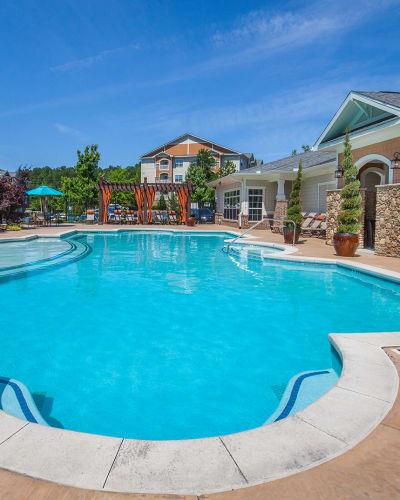 Pool at Panther Riverside Parc Apartments in Atlanta, Georgia
