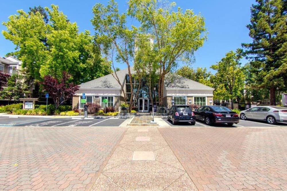 Parking area at Sofi Sunnyvale in Sunnyvale, CA