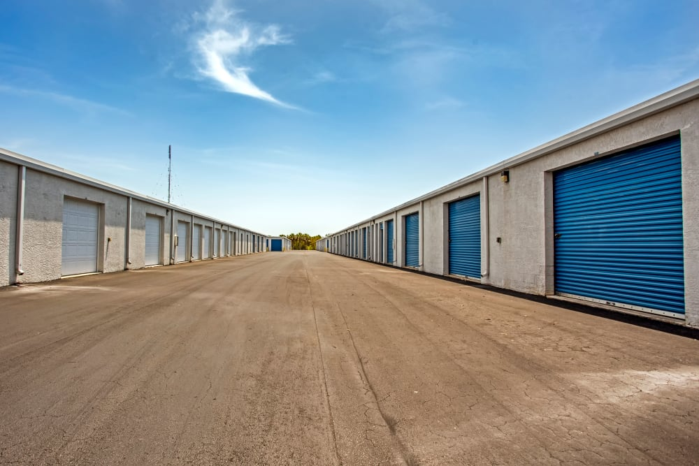 Exterior drive up units at Metro Self Storage in Fort Myers, Florida
