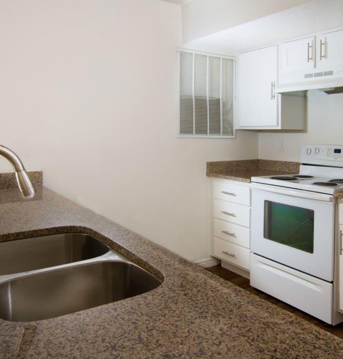 Modern kitchen at Ridgeview Apartments