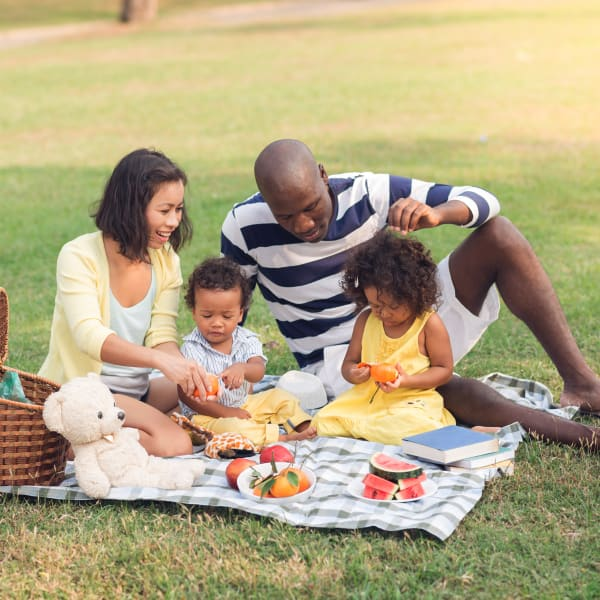 Resident family enjoying a picnic near Sonoma Palms in Las Cruces, New Mexico