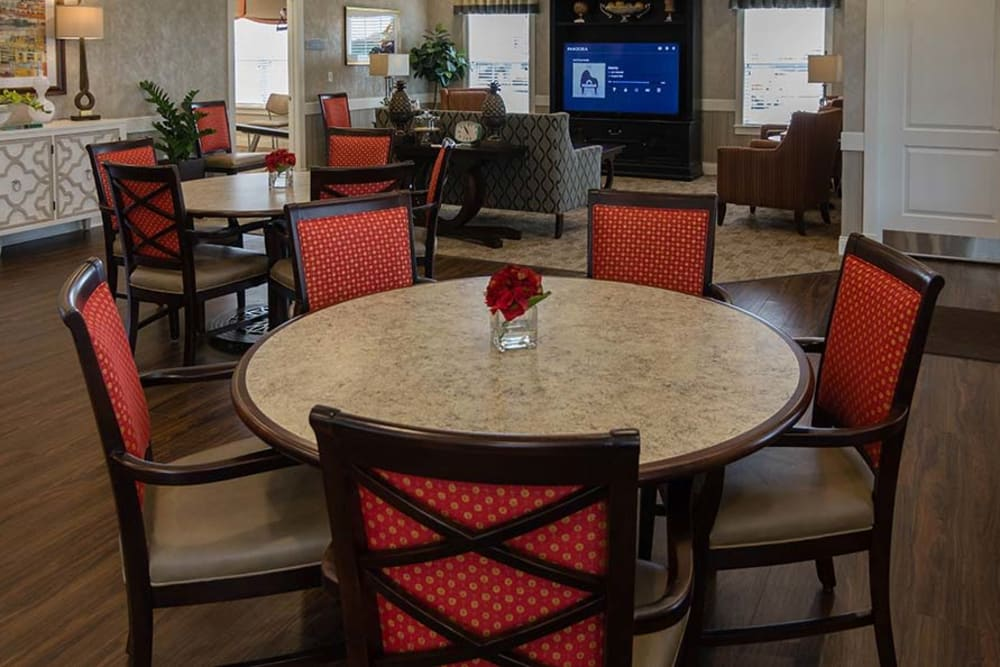Enjoy the Dining area in our Clubhouse at Field Pointe Assisted Living in Saint Joseph, Missouri