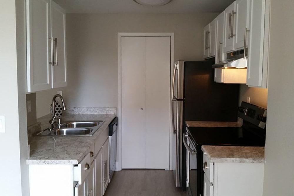 Modern kitchen at Chestnut Hills Apartments in Puyallup, Washington