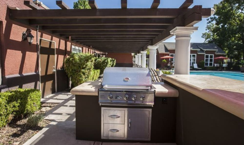 The Woodlands Apartments Outdoor Grill